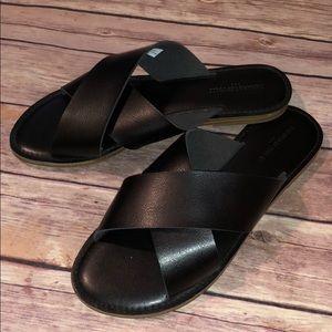 Banana Republic Black Leather Flat Sandals
